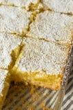 Barres faites maison douces de citron photographie stock