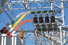 Barres omnibus de cuivre d'un transformateur électrique Photo libre de droits