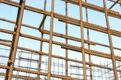 Barres rouillées de renfort en métal Renforcement des barres d'acier pour l'armature de construction Photographie stock libre de droits