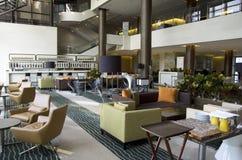 Barrestaurant in hotelhal royalty-vrije stock fotografie