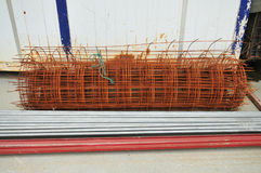 Barretta di metallo con ruggine coperta Fotografia Stock