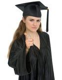 Barretta minacciosa della ragazza dell'allievo di graduazione Immagine Stock