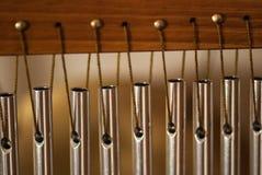 Barrez les carillons avec les tubes en acier pour la relaxation et la méditation Photos stock