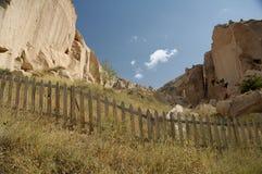 Barriärer på cappadociaen Fotografering för Bildbyråer