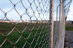 Barrière autour de secteur restreint, aéroport international de Phuket, Thail Photographie stock