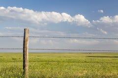 Barrière de bétail de barbelé Photos stock