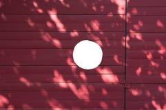 Barrière de construction avec le trou Photos libres de droits