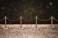 Barrière de corde rouge avec le pilier d'or Photos libres de droits