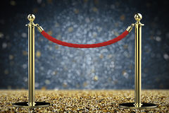 Barrière de corde rouge avec le pilier d'or Photographie stock