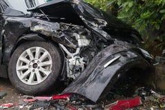 Barrière de glissière de sécurité d'accidents de collision de voiture Image stock