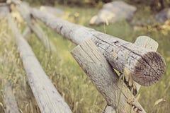 Barrière de rail en bois Photo libre de droits