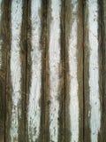 Barrière en bois blanche fanée Photographie stock libre de droits