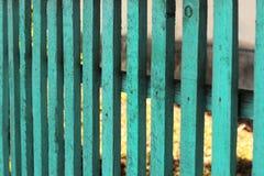 Barrière en bois de fond de turquoise photo libre de droits