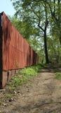 Barrière le long du passage couvert Image libre de droits