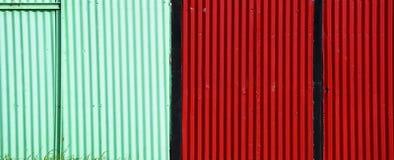 Barrière ondulée brillamment colorée Couleurs lumineuses Couleurs lumineuses photos stock