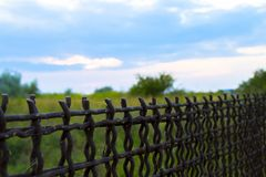 Barrière Rabitz clôture Esclavage, liberté et vie derrière des barres image stock