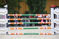 Barrières d'obstacles d'équitation photographie stock libre de droits
