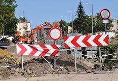 Barrières de route à la construction de routes photographie stock libre de droits
