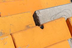 Barrières lourdes de ciment pour le contrôle de la circulation photos libres de droits
