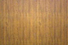 Barri?re en bois grise jaune de planche Lignes verticales Texture de surface approximative photos libres de droits