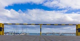 Barriar hamnhamn Fotografering för Bildbyråer