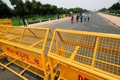 Barricadas del tráfico en Rajpath, Nueva Deli, la India el Día de la Independencia imagen de archivo