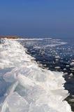 Barricade van het ijs op Meer Balaton, Hongarije Stock Foto's