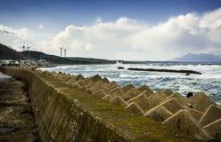 Barriera della tempesta dei tsunami Fotografia Stock Libera da Diritti