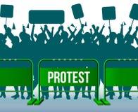 Barriera di recinzione temporanea che protesta la composizione nella folla royalty illustrazione gratis