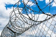 Barriera di sicurezza del cavo del rasoio Fotografia Stock Libera da Diritti