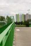Barriera e palazzina di appartamenti Immagine Stock Libera da Diritti