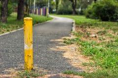 Barriera gialla della strada Immagini Stock