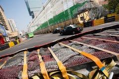 Barriere di sicurezza installate avanti per la corsa di Macao G Fotografia Stock