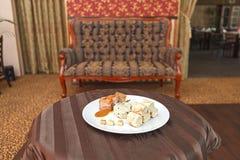 Barriga de carne de porco com as bolinhas de massa da couve e do pão Foto de Stock Royalty Free
