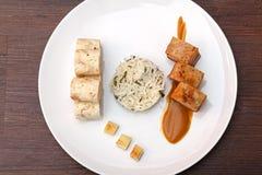 Barriga de carne de porco com as bolinhas de massa da couve e do pão Imagens de Stock