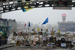 Barrikader på självständighetfyrkanten (Maydan) i Kiev Royaltyfria Bilder