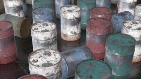 Barril oxidado del metal