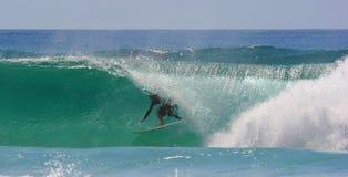 Barril que practica surf Fotografía de archivo