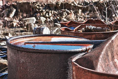 Barriles con la basura tóxica Foto de archivo