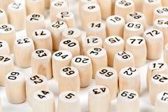 Barriles de madera con números de la loteria Fotos de archivo