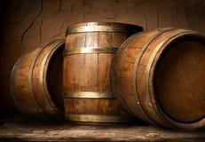Barriles de madera en sótano Fotografía de archivo libre de regalías