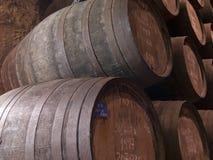 barriles de madera rojizos de Oporto Foto de archivo libre de regalías