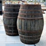Barriles de madera viejos Foto de archivo