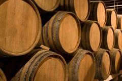 Barriles de vino. fotografía de archivo