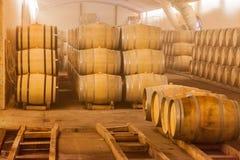 Barriles de vino del roble Foto de archivo libre de regalías