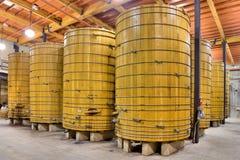 Barriles de vino grandes Imágenes de archivo libres de regalías