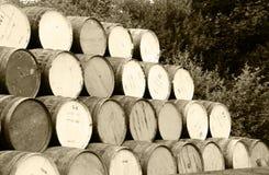 Barriles empilados del whisky Foto de archivo libre de regalías