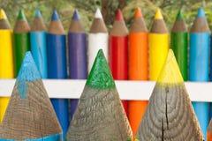 Barrière colorée de crayon Photographie stock libre de droits