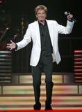 Barry Manilow führt im Konzert durch stockfotografie