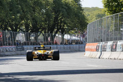 Barry Walker en un coche de competición del Fórmula 1 de Jordania EJ12 fotografía de archivo libre de regalías